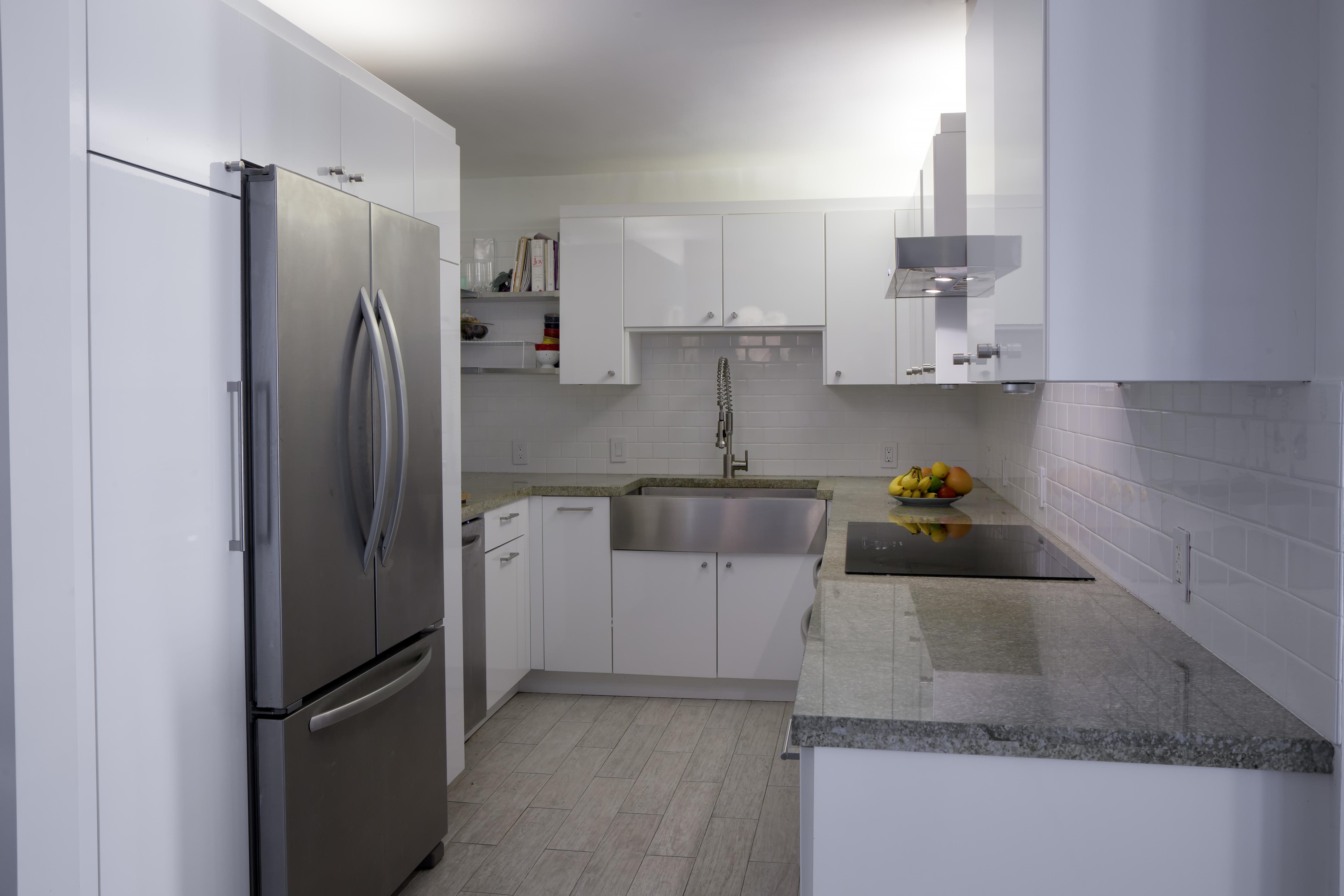 11 Island Dr #1707 custom kitchen renovations